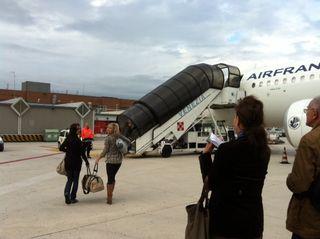 Girls bording Air France